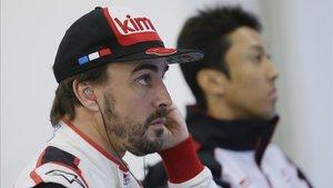 Alonso, este sábado en el box de Toyota en Shanghai