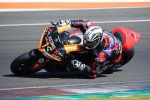 Sete Gibernau, en pista con la moto-E