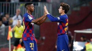 Ansu Fati y Riqui Puig, en dinámica del primer equipo, pero con vistas al filial