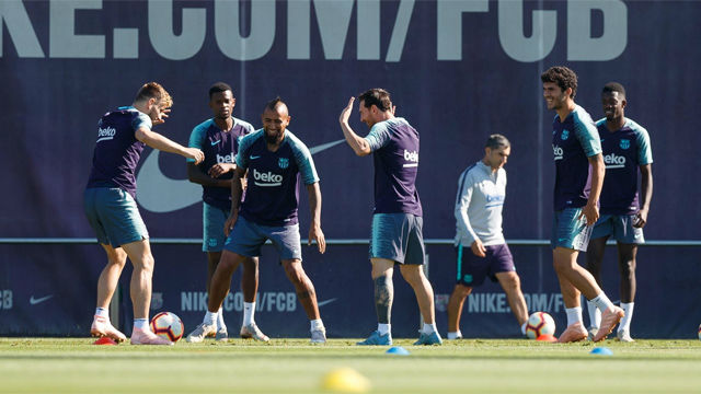 El Barça entrena sin Umtiti