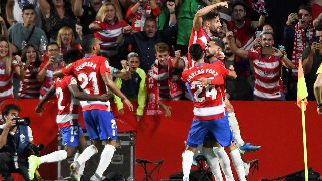El Barça hace el ridículo ante el Granada