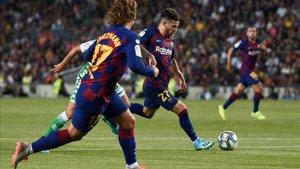 Carles Pérez, en la acción del tercer gol del Barça