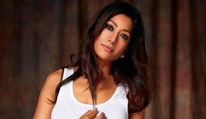 Conoce a Reshmin Chowdhury, la explosiva presentadora del sorteo de la Champions