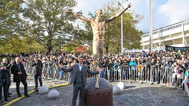 Ibrahimovic ya tiene su propia estatua gigante en Malmö