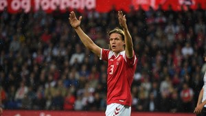 Jannik Vestergaard, recién fichaje del Southampton, dificulta la salida del defensa blaugrana Marlon
