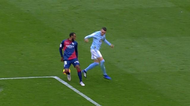 Le llaman el Messi de Moaña: ¡Doble regate de locos y golazo de Iago Aspas!