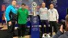 Los cuatro entrenadores semifinalistas, junto al nuevo trofeo de la Champions