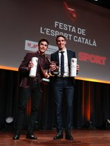 Los hermanos Márquez con su premio.
