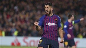 Luis Suárez hizo un buen partido contra el Lyon pero no marcó