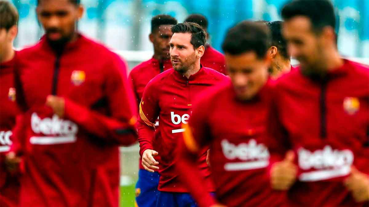 Messi ya entrena con el resto de sus compañeros