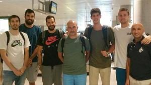 Pierre Oriola y Pau Ribas junto a otros compañeros de la selección y el ayudante de Scariolo Jaume Ponsarnau