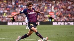 Riqui Puig sufre cómo las gastan los rivales en Segunda División b