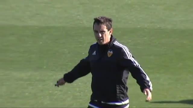 El Valencia cesa a Neville