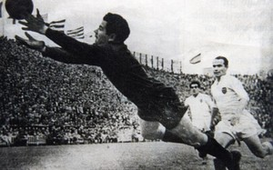 Velasco, en acción durante un partido contra el Valencia