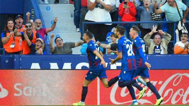 Así narró la radio la culminación de la debacle del Barça con el gol de Radoja