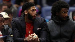 Davis está pendiente de su futuro, que podrían ser los Lakers