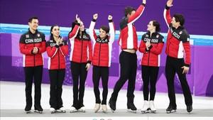 Duhamel, en el podio con el equipo canadiense