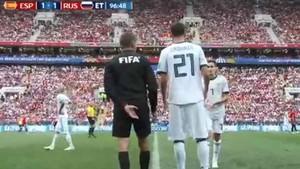 Este es el momento del primer cuarto cambio de la historia del fútbol en un partido oficial