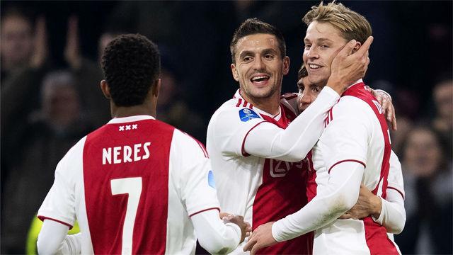 Frenkie de Jong anota un gol made in Ajax