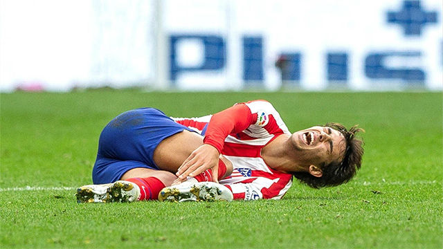Joao Félix abandonó el campo lesionado del tobillo