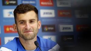Leo Baptistao apunta que clave del derbi será anular a Leo Messi