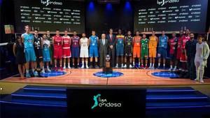 Los representantes de todos los equipos participantes de la Liga Endesa