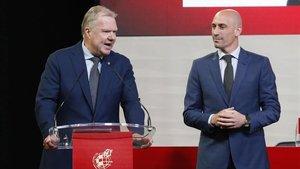 Luis Rubiales junto al vicepresidente de la UEFA COI, Karl-Erik Nilsson