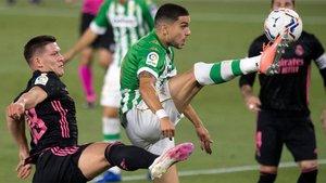 Marc Bartra fue protagonista de un penalti para la polémica