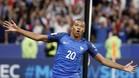 Mbappé celebra su primer gol con la selección de Francia