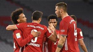 El poderoso Bayern de Múnich del triplete debutó en la actual campaña de la Bundesliga con un 8-0 sobre el Schalke 04