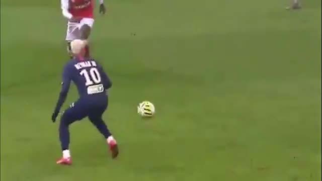 ¿Quién ha dicho que estaba todo inventado en el fútbol? Con ustedes, la culinha de Neymar