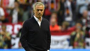 Schmeichel: Mourinho estaba amargado después de salir del United
