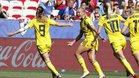 La selección Sueca celebra el gol de Asllani