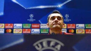 Valverde, protagonista en la sala de prensa de San Siro