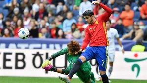 Álvaro Morata en una acción de aquel España - Corea del Sur sin culés