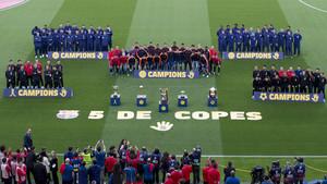 El FC Barcelona ofrece las cinco Copas del Rey a la afición en el Camp Nou
