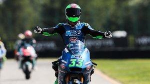 Bastianini celebrando su victoria en Brno
