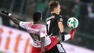 El duelo entre Borussia Mgladbach y Leipzig etsuvo muy igualado.