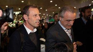 El expresidente del FC Barcelona Sandro Rosell junto a su abogado Pau Molins