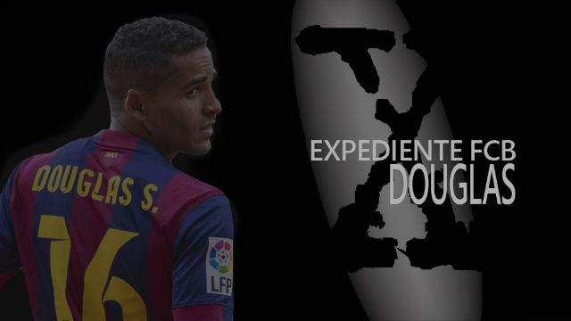 El extraño paso de Douglas por el Barça