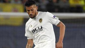 Garay, en uno de sus últimos partidos con el Valencia