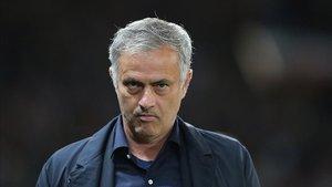 Mourinho en el partido de Champions contra el Valencia