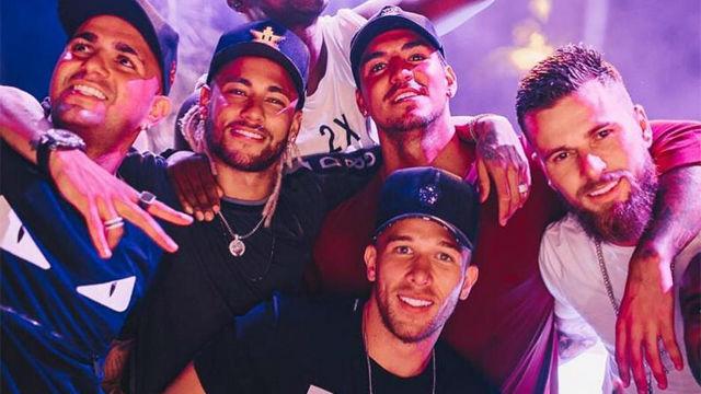 Neymar y Arthur, juntos en Brasil