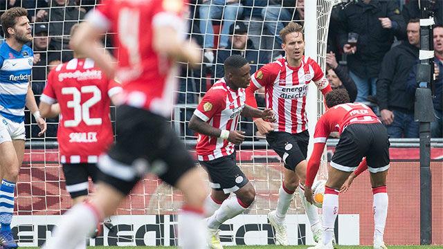 Remontada del PSV ante el Graafschap para seguir la estela del Ajax