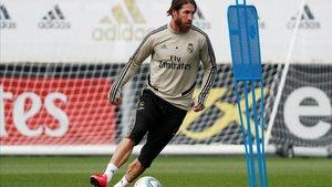 Sergio Ramos, durante uno de los últimos entrenamientos del Real Madrid
