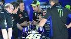 Valentino busca soluciones a la crisis junto a su staff técnica