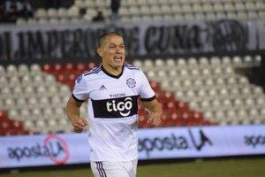 Verón jugó 14 años en el fútbol mexicano