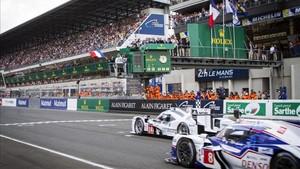 Alonso dio la salida de las 24 Horas de Le Mans en 2014