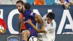 Arda Turan, durante un partido amistoso frente al Real Madrid el pasado verano