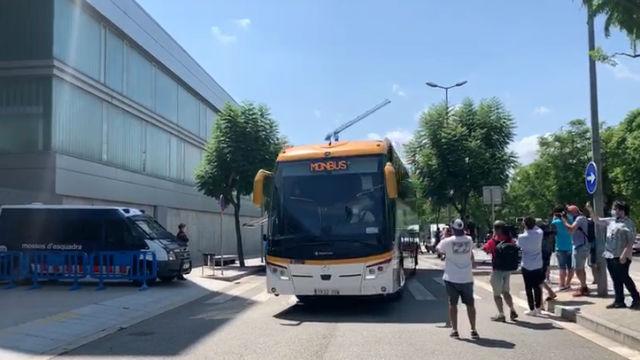 Así ha sido la llegada del FC Barcelona a la Ciudad Deportiva